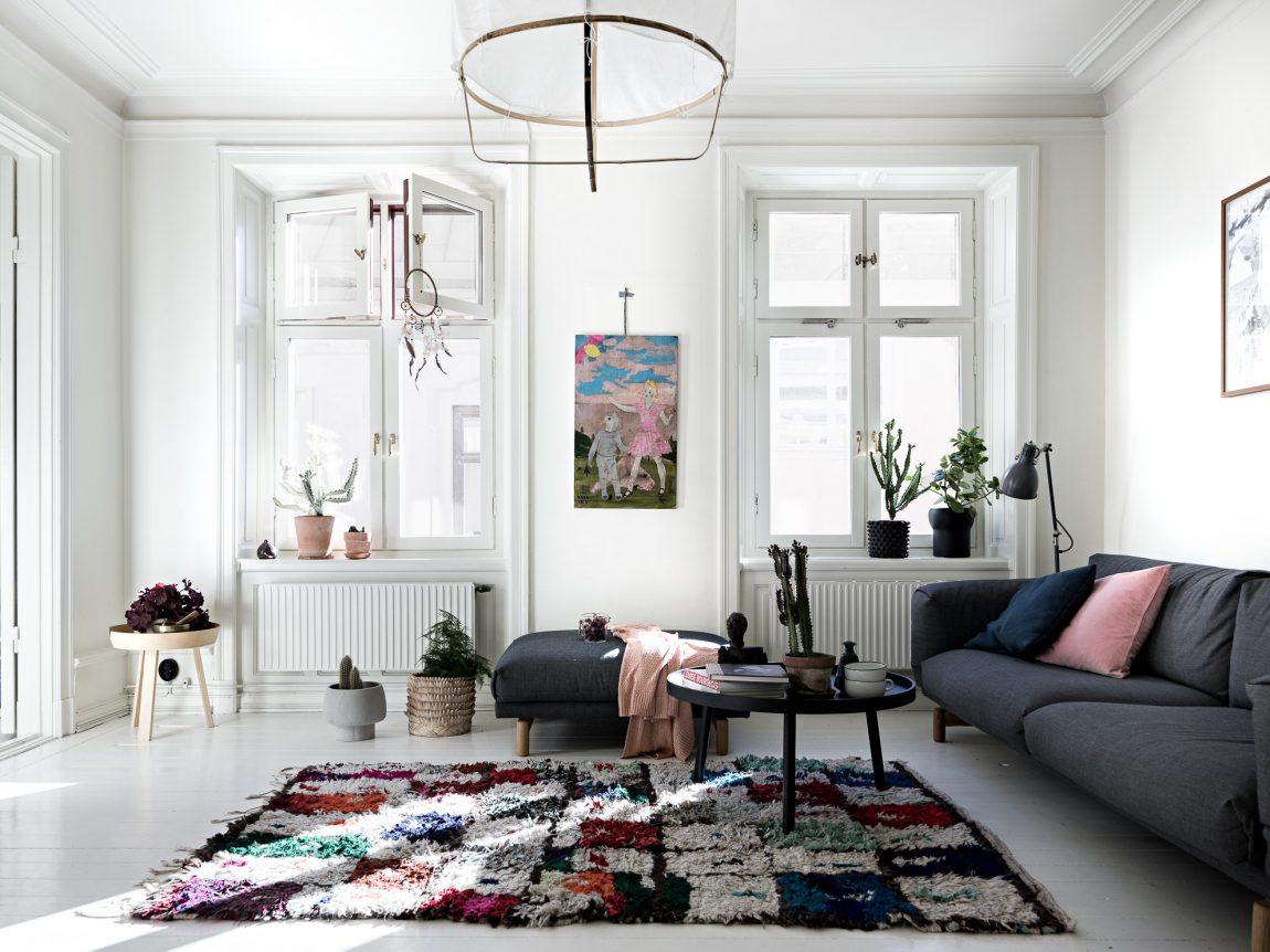 Kleurrijke witte woonkamer  Inrichtinghuiscom