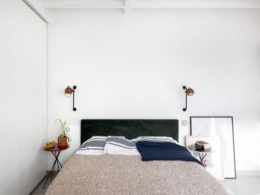 Moderne slaapkamer met vintage meubels  Inrichtinghuiscom