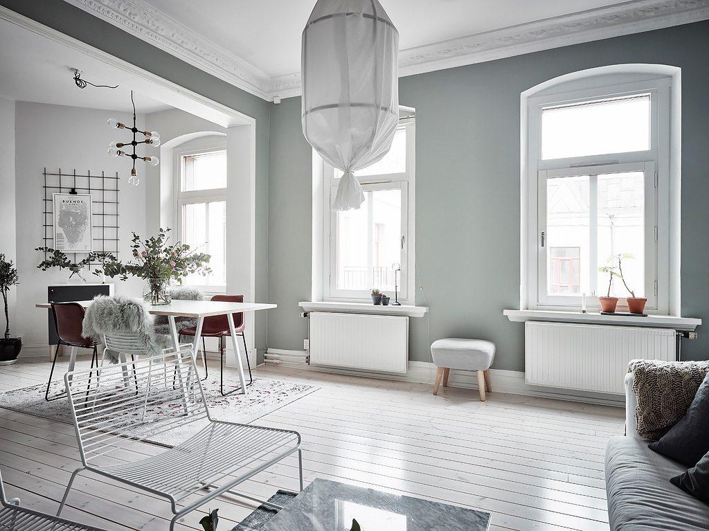 Mooi en klein Scandinavisch appartement met groengrijze