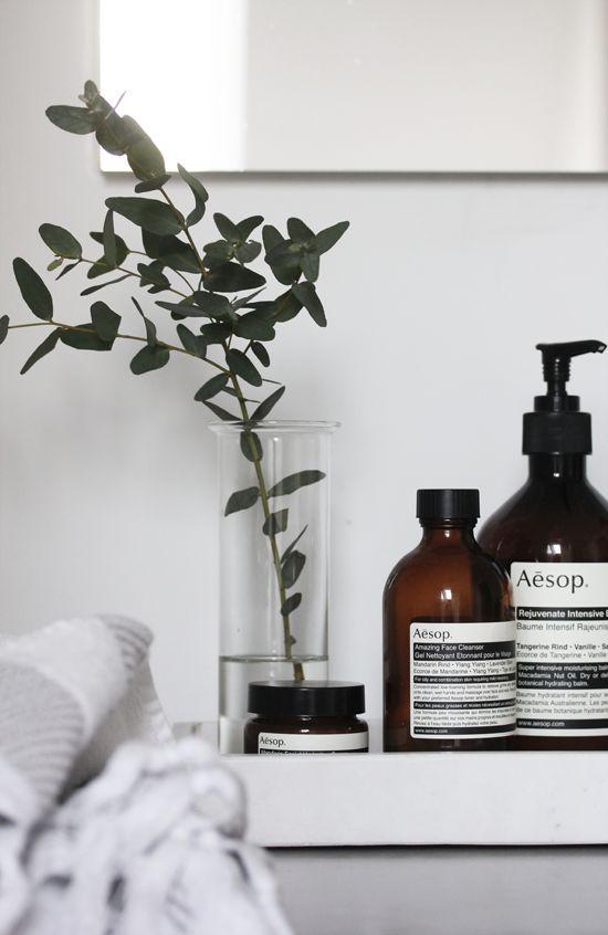 Mooie flesjes shampoo douchegel en handwasgel