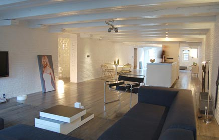 Pakhuis verbouwd van bedrijfsruimte naar luxe woning