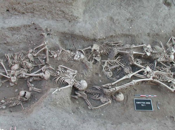 Skeletons from a mass grave in Martigues (France), 1720–1721