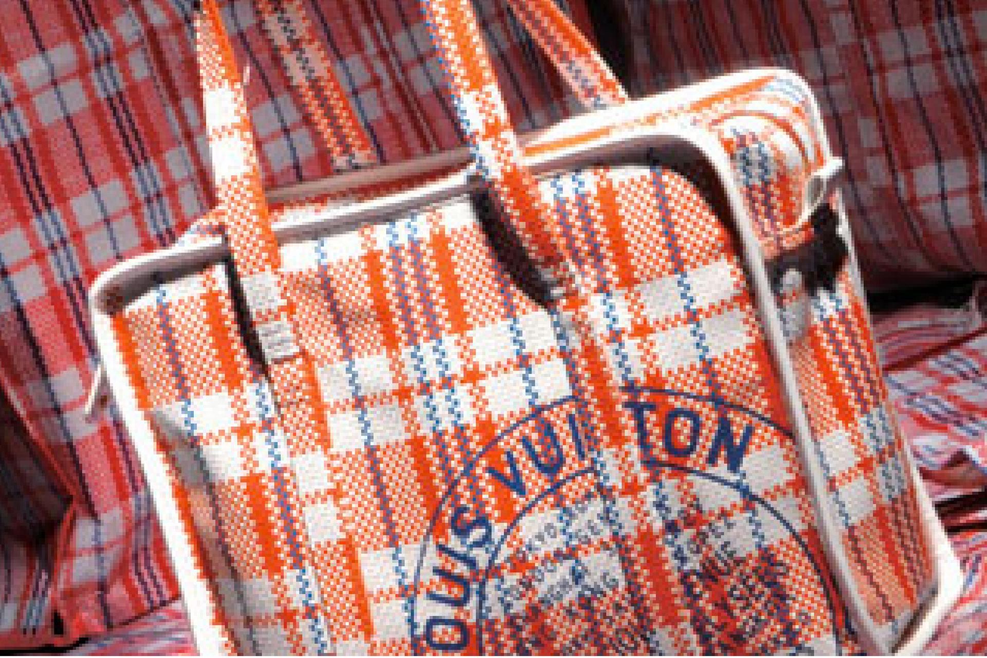 就是有錢|20塊的「 紅白藍膠袋 」,而且耐用及容量大,產地貨源 - 阿里巴巴