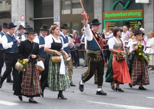 german dirndl dresses and