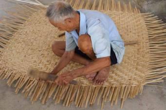 Basket boat-maker
