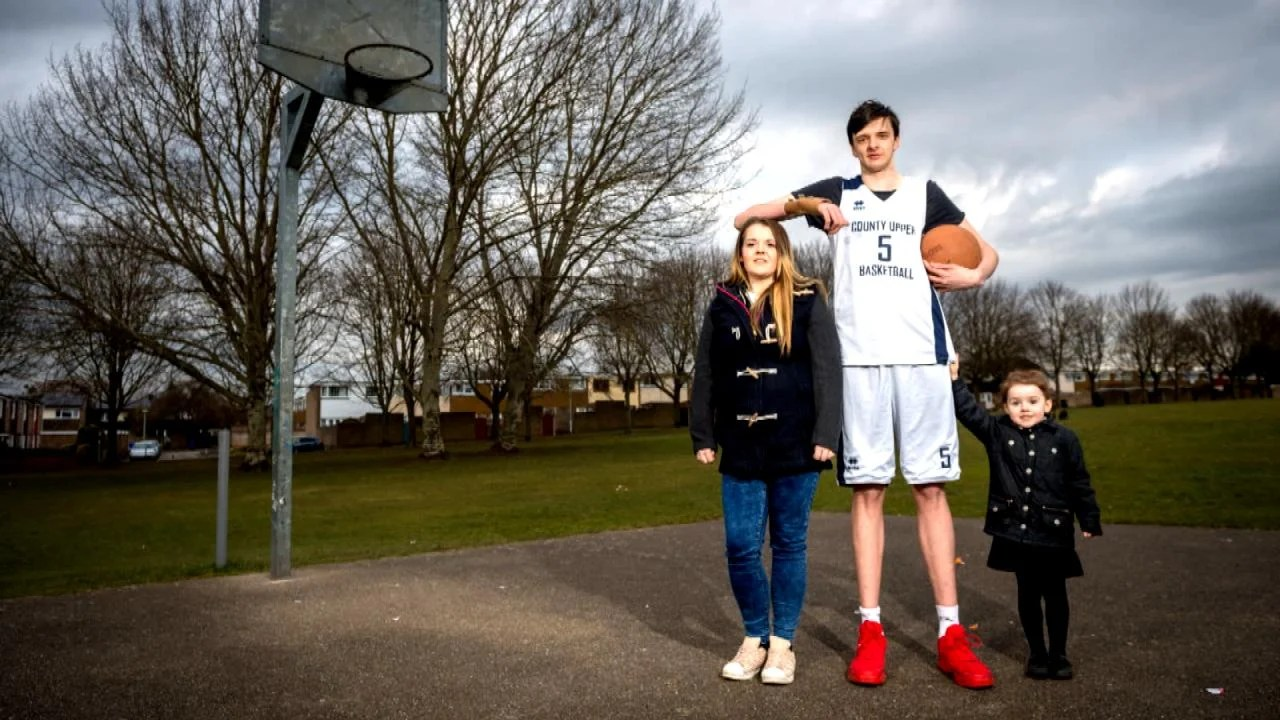 World's Tallest Teen Is Over 7 Feet Tall and Eats 8.000 Calories a Day | Inside Edition
