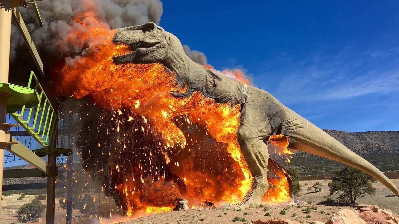 24 Foot Tall Animatronic Dinosaur Catches Fire At Theme