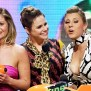Fuller House Cast Says Families Stick Together Through
