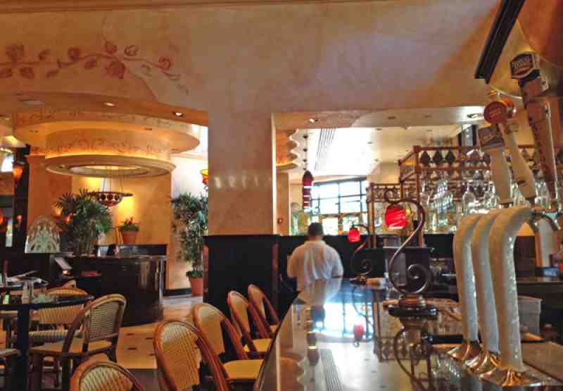 Review of The Cheesecake Factory 33301 Restaurant 620 E Las Ol