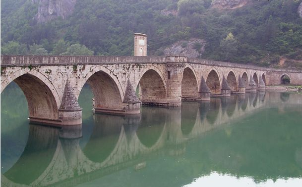 Mehmed Sokullu - Learn how the Drina bridge in Serbia leads to Istanbul