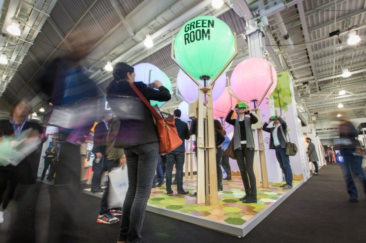 Green_Room_Retail_Design_Expo_2016_attracting_crowds