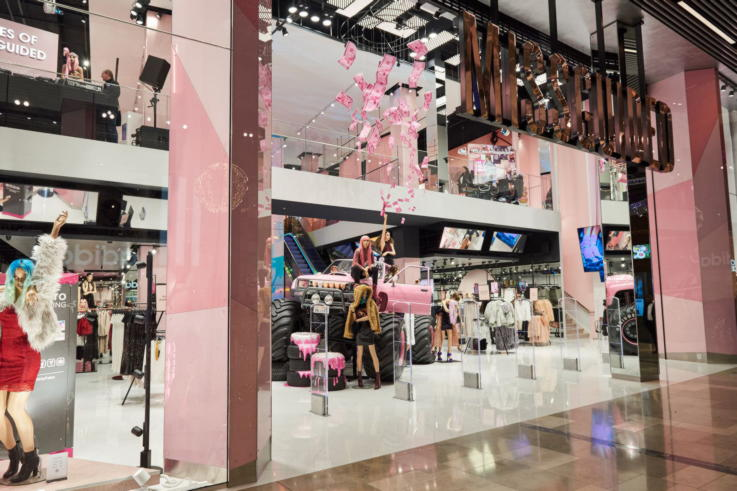 Flagship stores London - fashion store Missguided