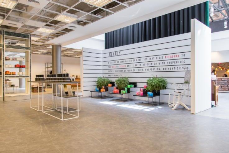 El Paracaidista - Retail Space Design