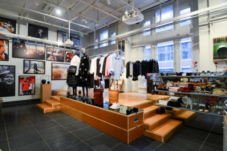 X Bank - Retail Store Design