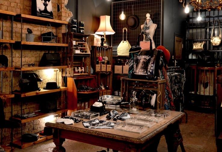Luxury Shopping - Customer Experience