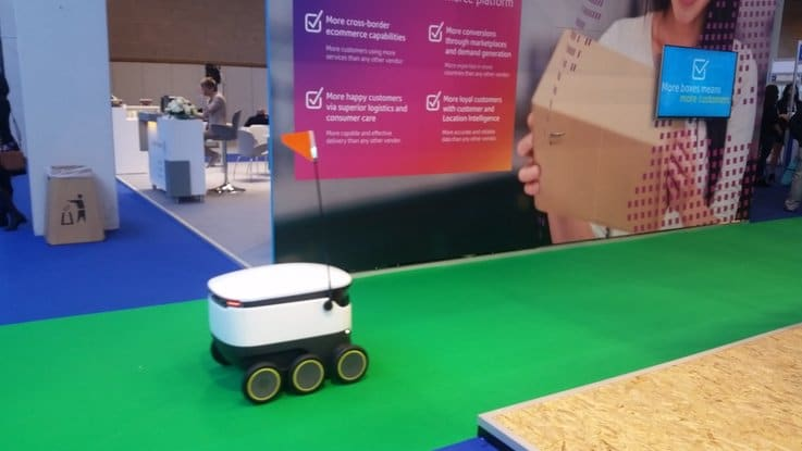 retail robot tech innovation