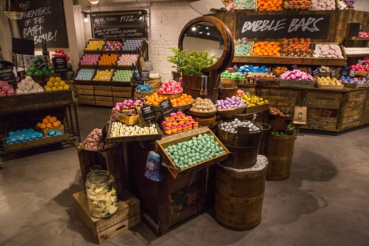 visual merchandising Lush physical stores