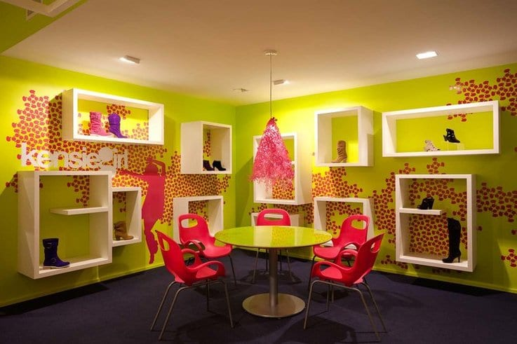 retail showroom store design