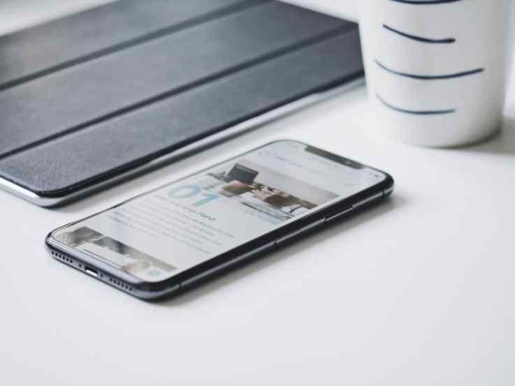mobile smartphone retail