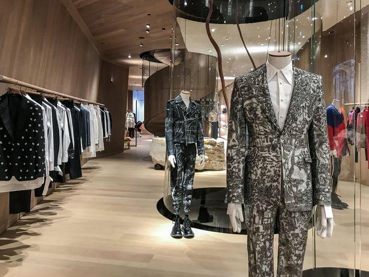 Luxury Retail - Luxury Shop