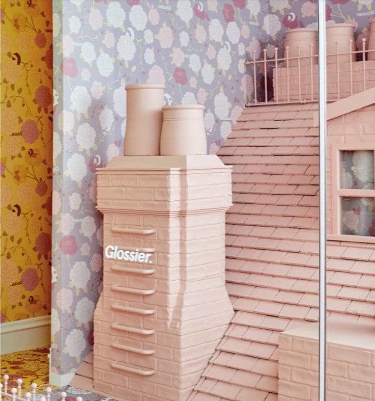 Glossier – Holiday Retail