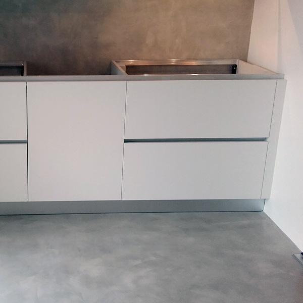 La resina per pareti non ha fughe, è lavabile e. Pavimenti E Rivestimenti In Resina Per Abitazioni Milano Insidesign