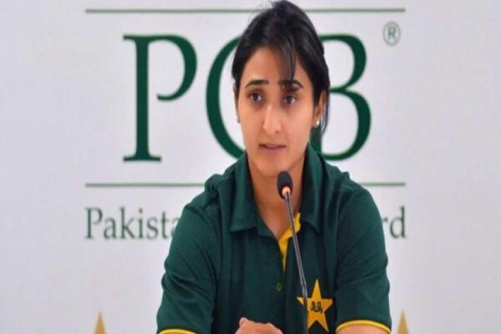 Photo of Cricket: Pakistani women's team head coach sacked and captain Maroof retained