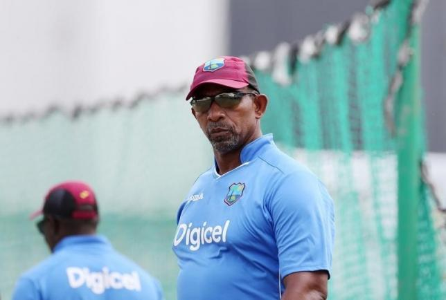 Photo of England vs West Indies: Coach Phil Simmons goes into 'self quarantine'