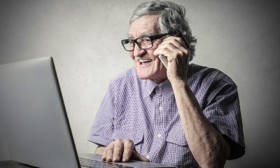 Digital literacy support for seniors in society