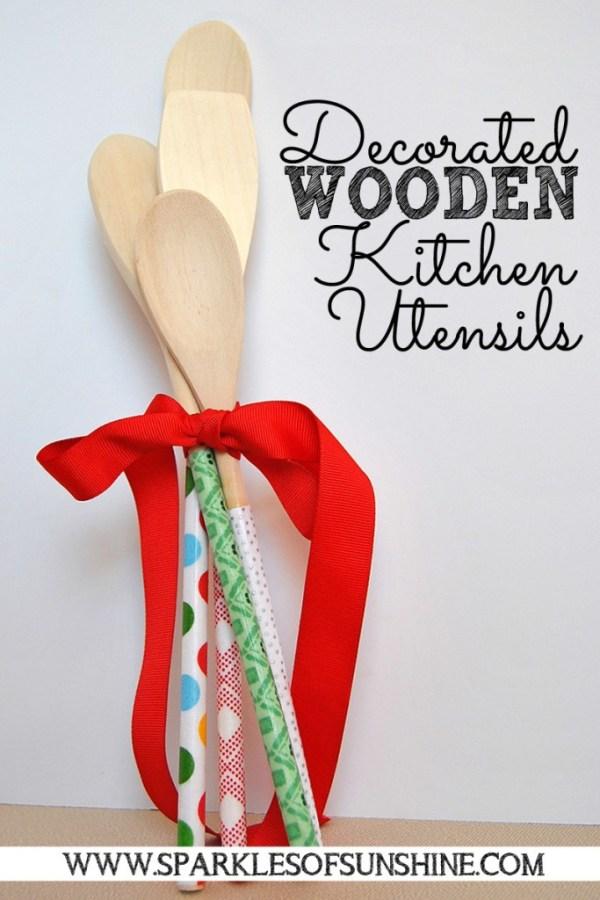 Decorated-Wooden-Kitchen-Utensils