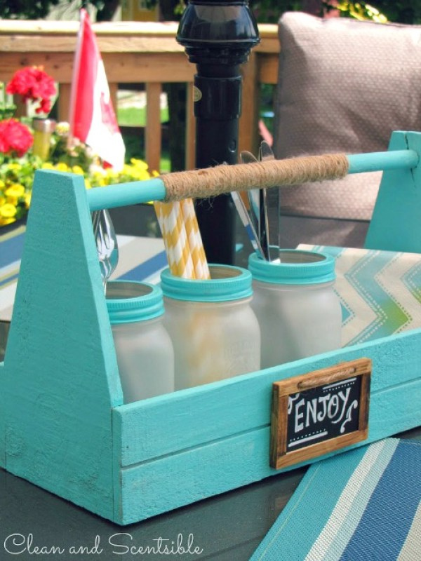 Frosted-Mason-Jars-Picnic-Caddy-4