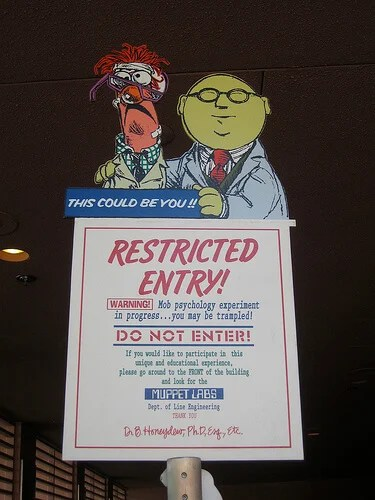 Dr. Bunsen Honeydew and Beaker restrict you from entering the exit of MuppetVision 3D