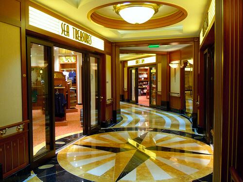 Sea Treasures storeWhite Caps - Disney Dream shopping