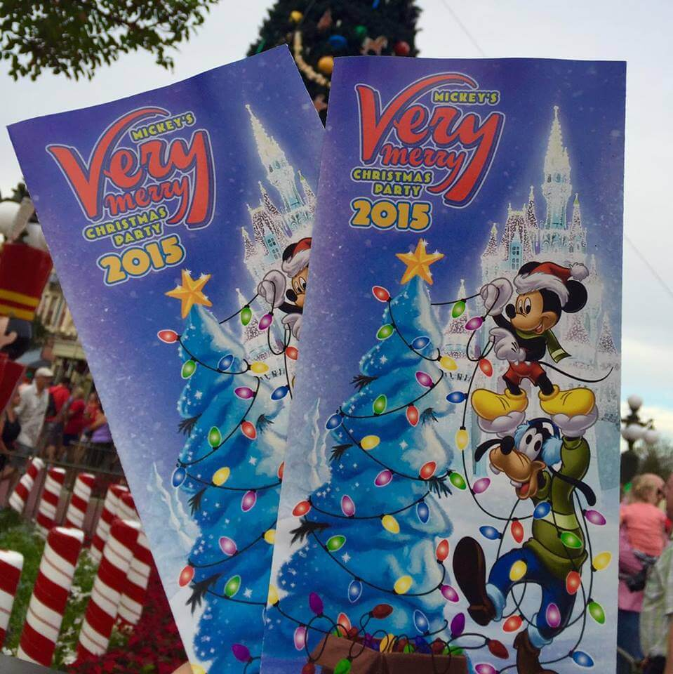 as soon as you walk into the park make sure you collect your party guide map that will tell you all about the nights entertainment schedule and other - Disney Christmas 2015