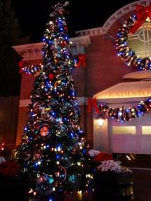 Cars Land Christmas Decorations Bring Cheer