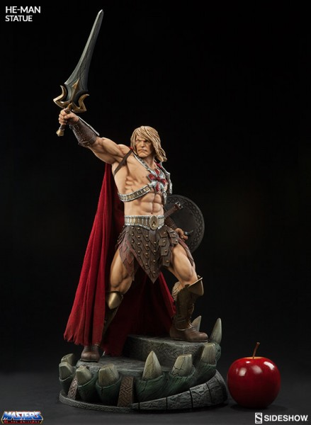 masters-of-the-universe-he-man-statue-sideshow-200549-03