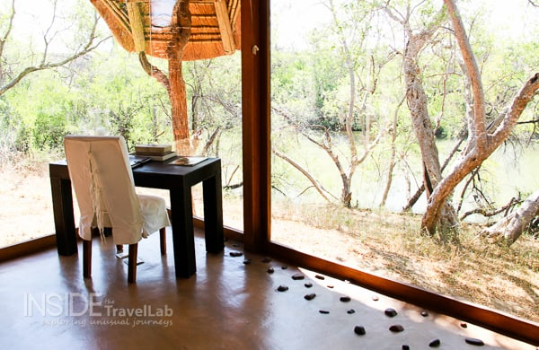 Desk at Makanyane Game Reserve