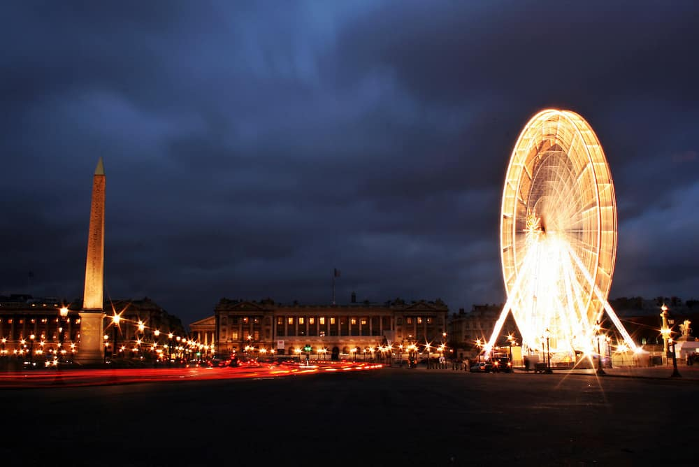 Paris at Night via @insidetravellab