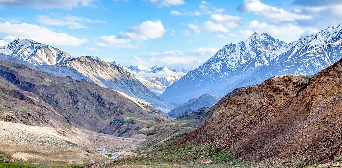 5. Hiking to Annapurna Base Camp. © Sandeep Nain