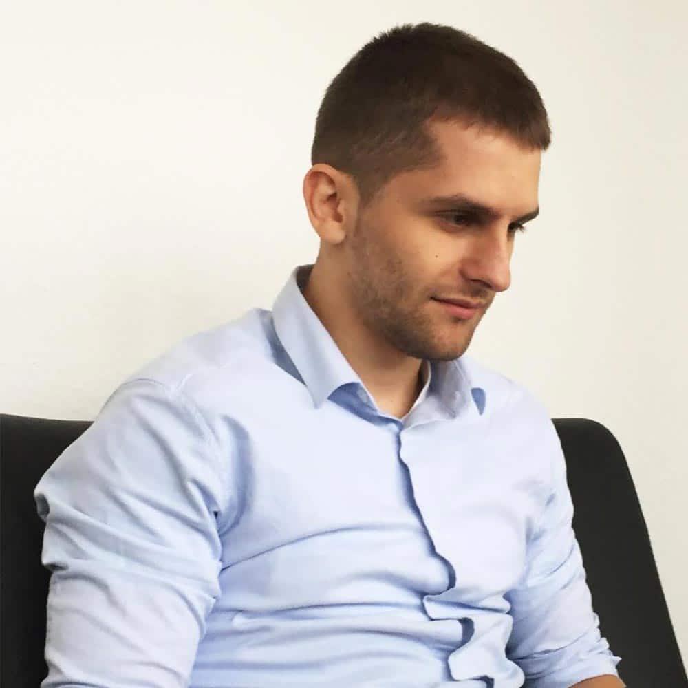 Juri Ostaschov ist Statistiker, Trader und Autor bei InsideTrading