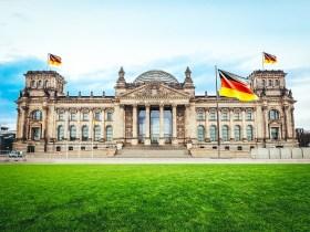 Untreue und Eidbruch durch Kanzlerin Angela Merkel?