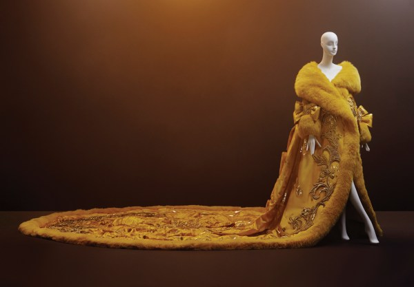 Catch Guo Pei Exhibition Vancouver Art Closes