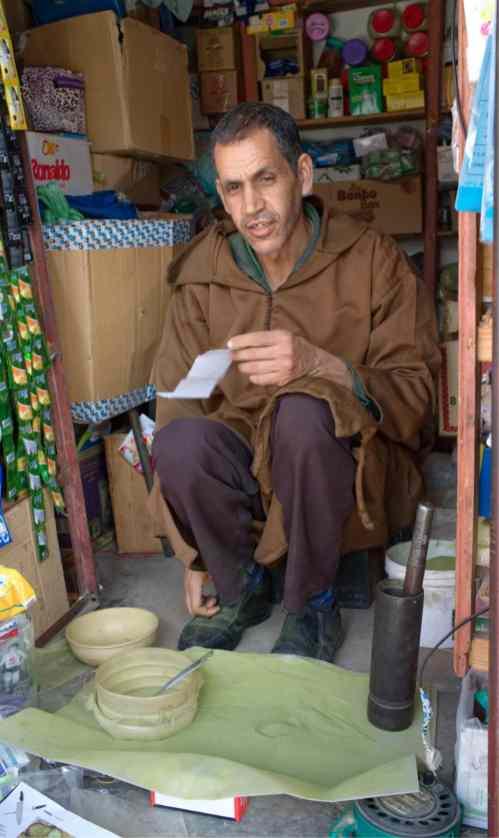 Making hennah powder