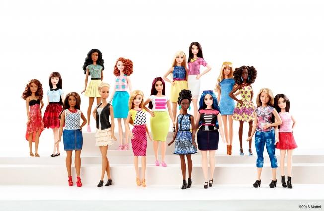 Mattel apuesta por un cambio total de la apariencia de Barbie.