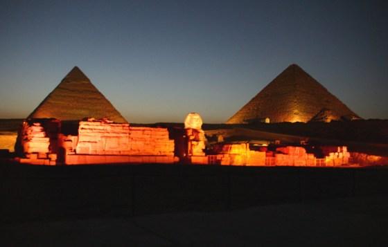 pyramidsofgiza_at_night