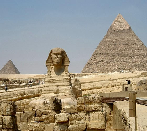 sphinx_and_pyramids