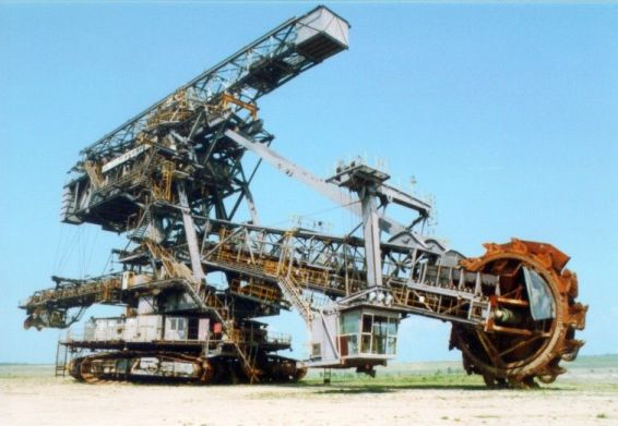 bucket_wheel_excavator_in_ferropolis