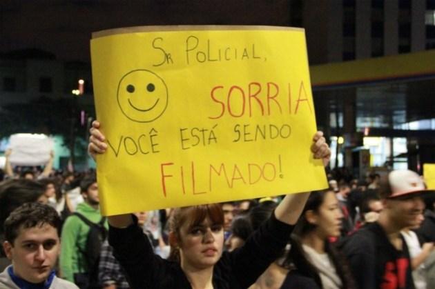 PROTESTO CONTRA O AUMENTO DAS PASSAGENS DO TRANSPORTE PÚBLICO