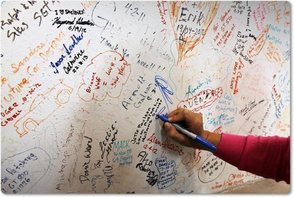 parede-assinada-republica