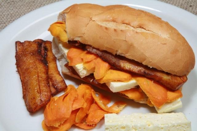 norte_hotdog_sossolteiros-800x533